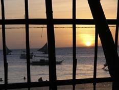 Sonnenuntergang durch die Windbreaker, Boracay 2004